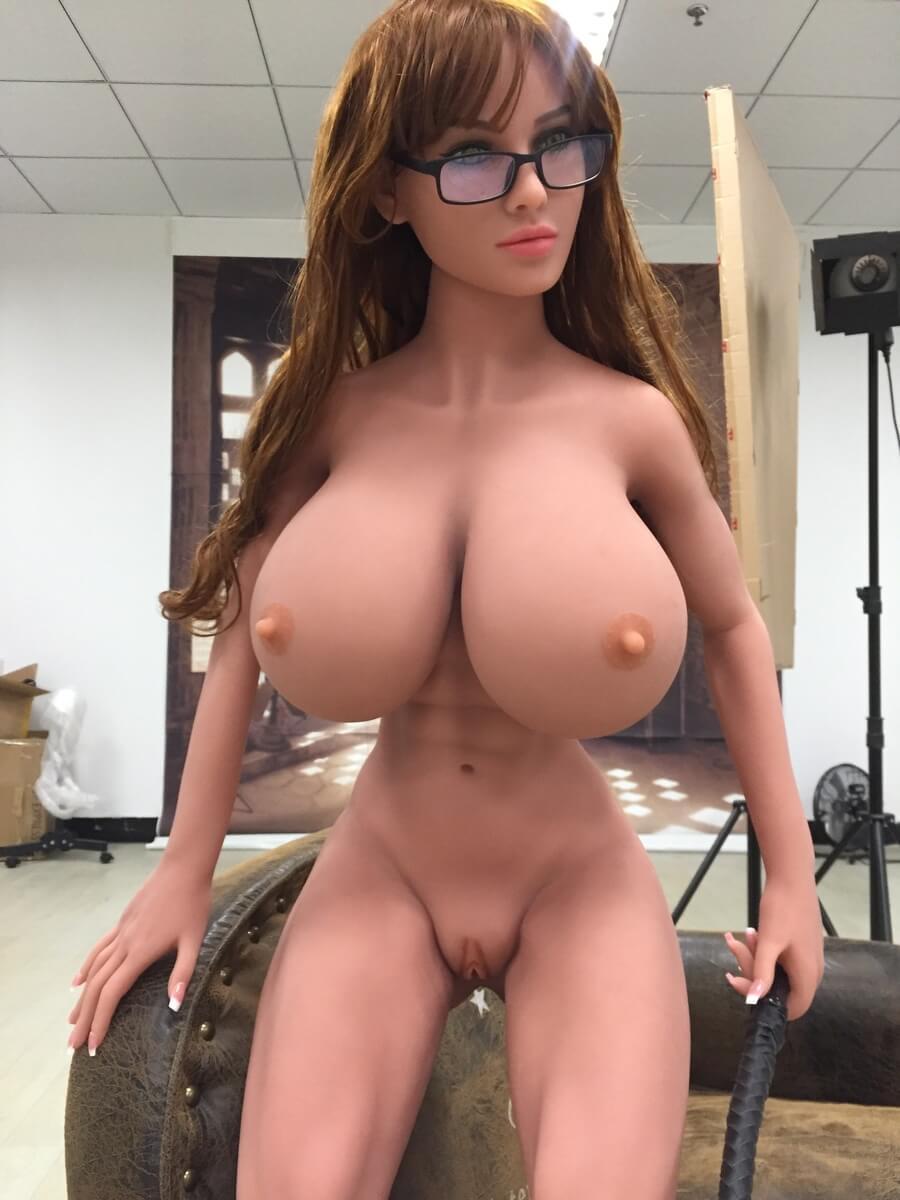 Dicke Titten Kleine Taille europäische Sex-Puppe