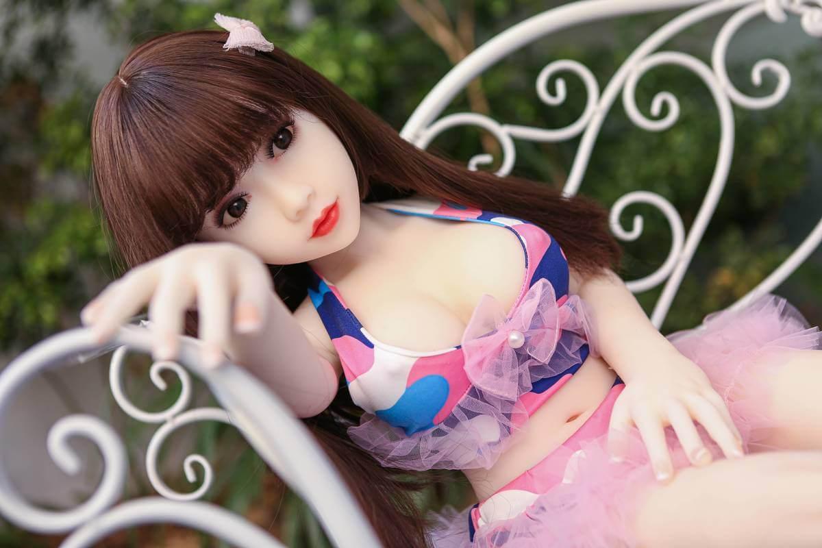 boneca jovem